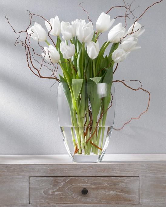 Tulpen-Galerie: weisse Tulpe (Tulipa Lanka) in Glasvase